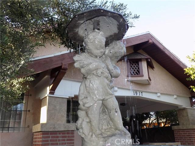 1917 W Jefferson Boulevard, Los Angeles CA: http://media.crmls.org/mediascn/0a14daa8-5522-4757-95b6-8e665cdd0c62.jpg