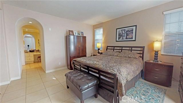 26915 Augusta Place, Valencia CA: http://media.crmls.org/mediascn/0a39b7b7-404d-490e-9d1e-44376ca97ebb.jpg