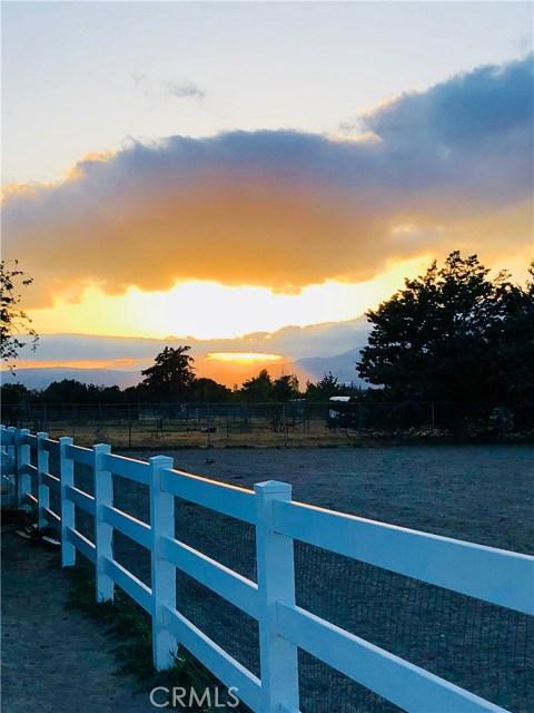 28221 Benjie Way, Neenach CA: http://media.crmls.org/mediascn/0acdfdff-6823-4990-8a59-9bcbf0dd53f4.jpg