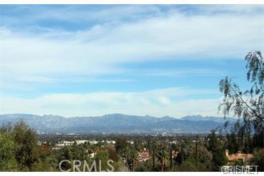 4777 Brewster Drive, Tarzana CA: http://media.crmls.org/mediascn/0afecfcb-49ff-4bac-9249-a4fe0371ffb3.jpg