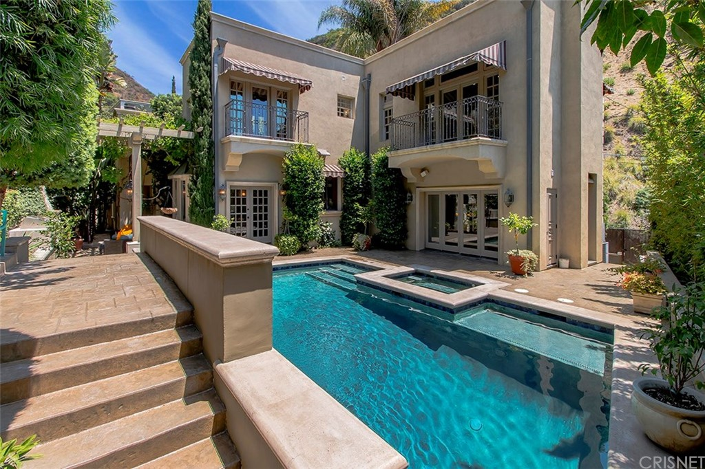 Property for sale at 1454 BENEDICT CANYON DRIVE, Beverly Hills,  CA 90210