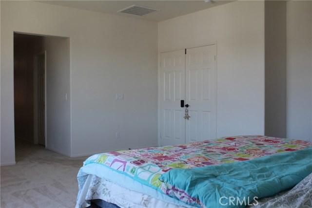 43942 Windrose Place, Lancaster CA: http://media.crmls.org/mediascn/0b677847-9dd1-48eb-a00d-1bc8822250df.jpg