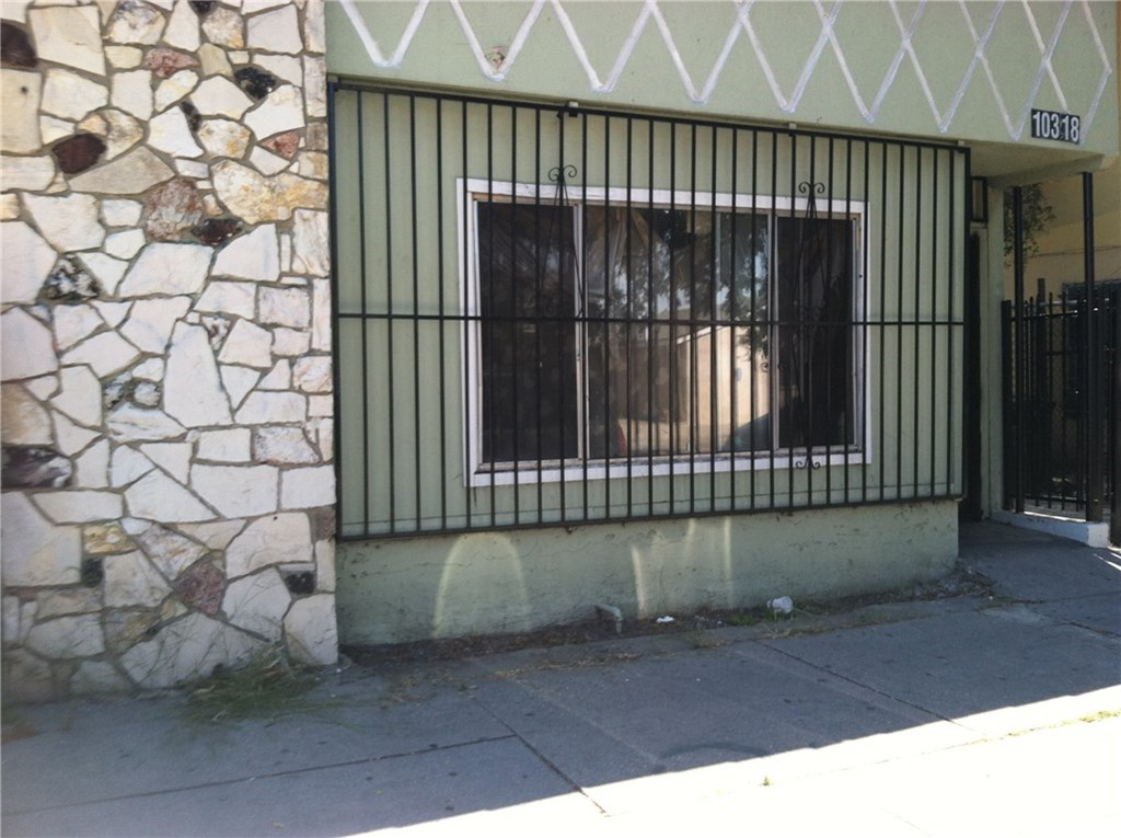 10318 S SAN PEDRO Street, Los Angeles (City), CA 90003