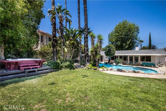 5814 Mcdonie Avenue, Woodland Hills CA: http://media.crmls.org/mediascn/0b792315-68a7-4dd6-946a-e13bd9d281e8.jpg