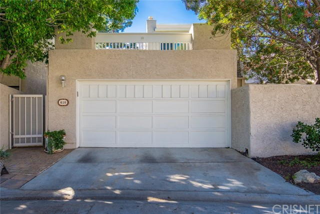 Townhouse for Sale at 610 Tree Top Lane 610 Tree Top Lane Thousand Oaks, California 91360 United States