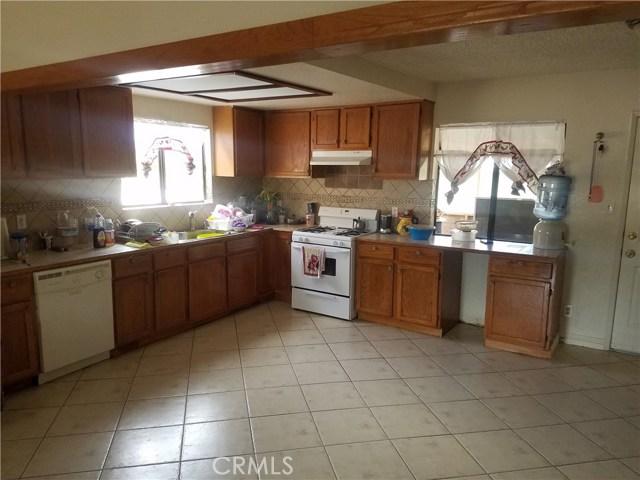 35740 116th E Street, Littlerock CA: http://media.crmls.org/mediascn/0bc827b7-4c59-4524-8072-be2a25d591ce.jpg