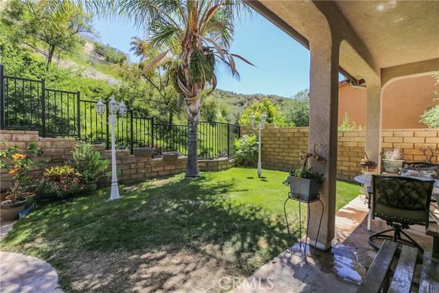 25226 Gloriso Lane, Stevenson Ranch CA: http://media.crmls.org/mediascn/0be077c0-1241-41a7-8c58-d871b05d5c13.jpg