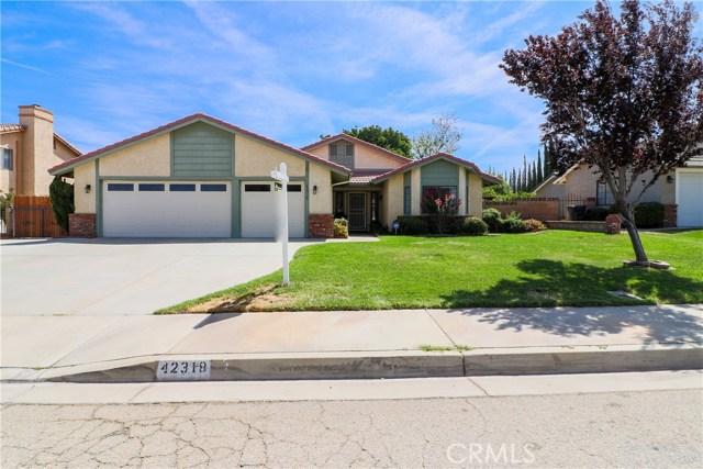 42318 61st W Street, Lancaster CA: http://media.crmls.org/mediascn/0c034769-9ce6-4fdc-9c47-4b10156bd077.jpg