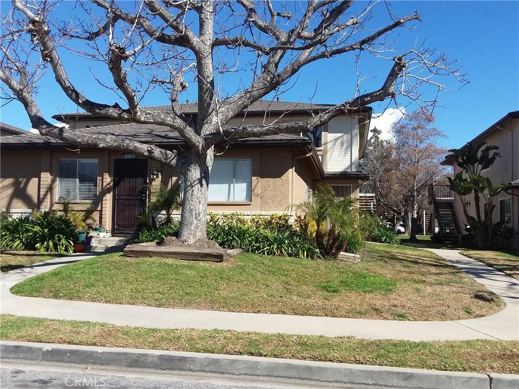 Photo of 2066 CALLE LA SOMBRA #4, Simi Valley, CA 93063