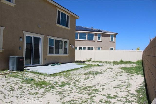43942 Windrose Place, Lancaster CA: http://media.crmls.org/mediascn/0c5b9721-1ed1-4d26-966d-2fb1e2f96810.jpg