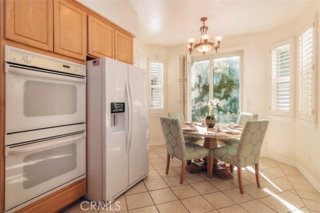 13720 Mammoth Place, Sherman Oaks CA: http://media.crmls.org/mediascn/0cacd587-ef36-4666-b8f1-0e5d3dfb42d8.jpg