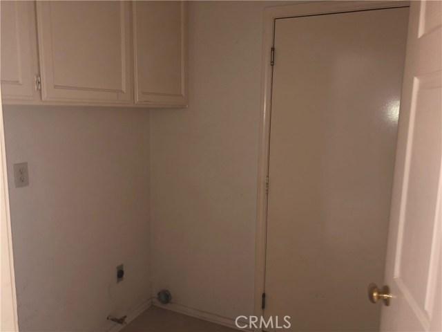 2315 W Avenue K9, Lancaster CA: http://media.crmls.org/mediascn/0cf303c8-64c3-452e-b5f6-463abd89cd68.jpg