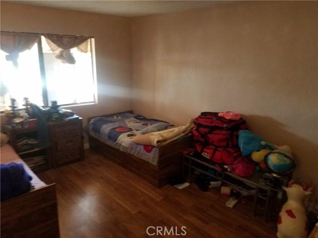 35740 116th E Street, Littlerock CA: http://media.crmls.org/mediascn/0d220fce-0f1a-4d26-90ff-4fe21089a4f5.jpg