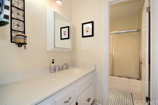 5460 White Oak Avenue, Encino CA: http://media.crmls.org/mediascn/0d4d8f73-9de4-4b16-ab20-503a4da0c7df.jpg