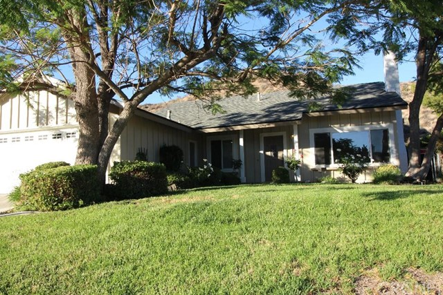 Property for sale at 29716 Grandifloras Road, Canyon Country,  CA 91387