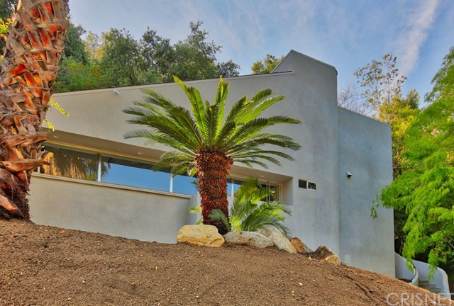 Single Family Home for Sale at 2613 Chevy Chase Drive E Glendale, California 91206 United States