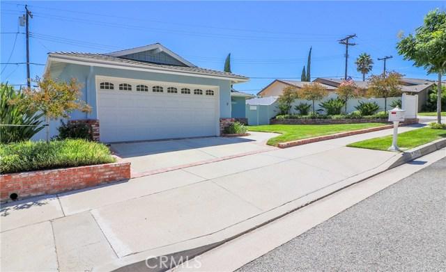 19602 Aldbury Street, Canyon Country CA: http://media.crmls.org/mediascn/0d972548-a1fb-4711-a91d-bdbd7cdb9795.jpg
