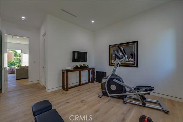 823 N Mansfield Avenue, Hollywood CA: http://media.crmls.org/mediascn/0d9d83bf-f71a-405f-b398-ad3f105984cd.jpg