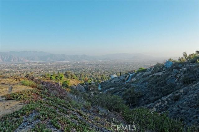 1175 San Clemente Way, Camarillo CA: http://media.crmls.org/mediascn/0db8b148-306c-4635-9430-09b7eb264279.jpg