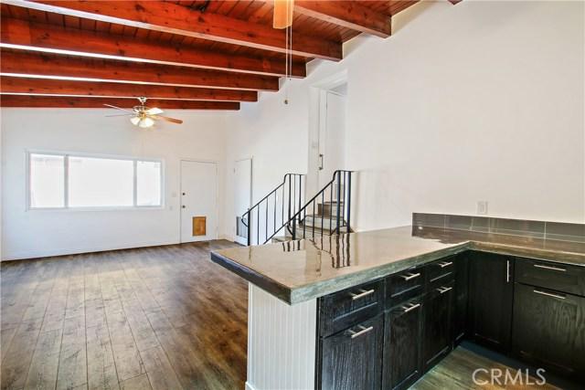 8614 Wentworth Street, Sunland CA: http://media.crmls.org/mediascn/0df6c36d-0668-480c-b459-3e9849d1756f.jpg
