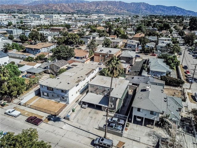 6708 Irvine Avenue, North Hollywood CA: http://media.crmls.org/mediascn/0e7e1954-e1cb-4f62-b672-4a27327f9bea.jpg