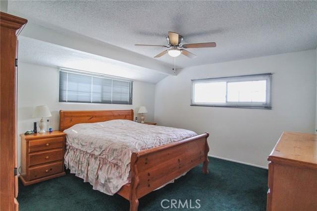 17234 Flanders Street, Granada Hills CA: http://media.crmls.org/mediascn/0e9ecb0d-b6cb-4b17-9dcc-c10a1f8ecf71.jpg