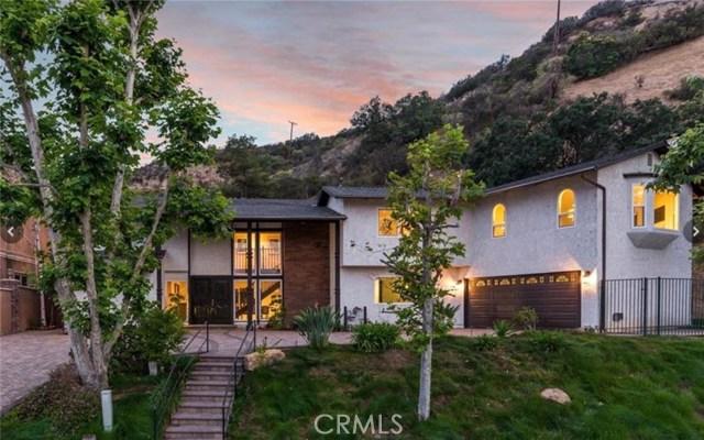 Photo of 3831 Saint Johnswood Drive, Woodland Hills, CA 91364