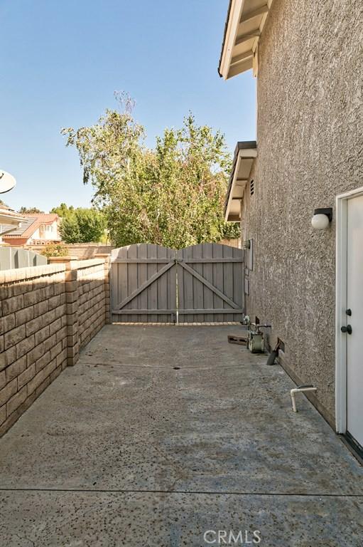 22408 Oxford Lane Saugus, CA 91350 - MLS #: SR18150619