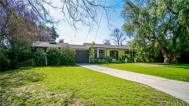 Single Family Home for Sale at 12244 Emelita Street Valley Glen, California 91607 United States