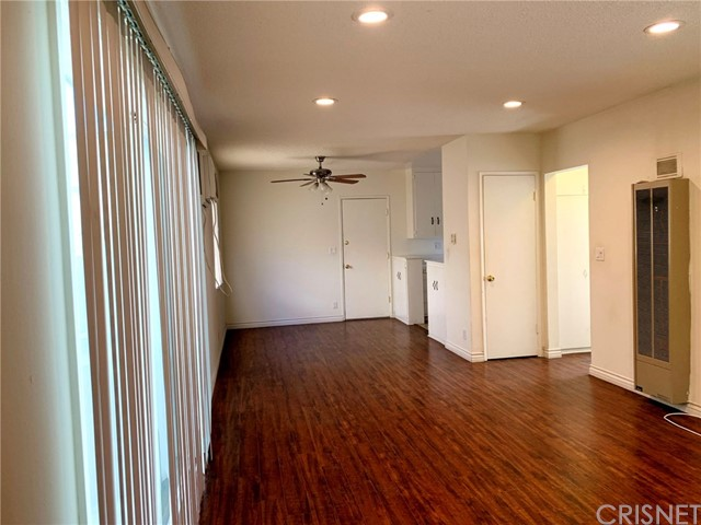 6907 Coldwater Canyon Avenue, North Hollywood CA: http://media.crmls.org/mediascn/0f7f7829-aba9-49ff-a1e4-169eaeec6381.jpg