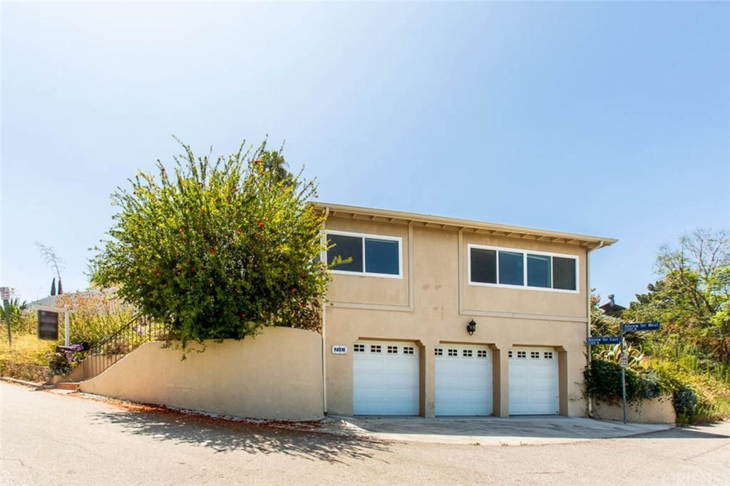 Photo of 2381 EAST ALLVIEW, Hollywood Hills, CA 90068