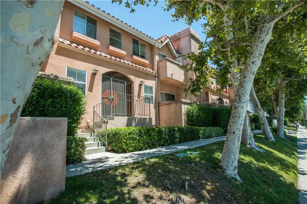 7320 BALBOA Boulevard 104, Lake Balboa, California 91406- Oren Mordkowitz