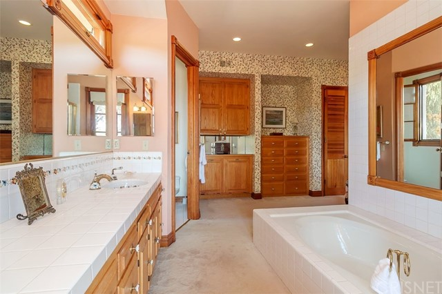 Additional photo for property listing at 23740  Webb Road 23740  Webb Road Chatsworth, California 91311 United States