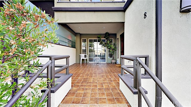 2300 Duane Street # 8 Los Angeles, CA 90039 - MLS #: SR17205434