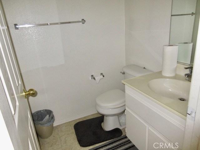 43825 Elena Court, Lancaster CA: http://media.crmls.org/mediascn/10526400-1c92-4627-bdba-2ecf6a009499.jpg