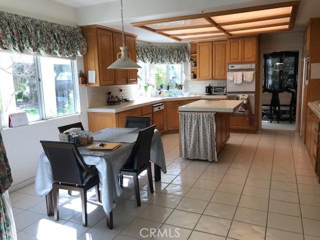 17806 Arvida Drive, Granada Hills CA: http://media.crmls.org/mediascn/1052f245-96e9-4903-ab06-7cd50629f271.jpg