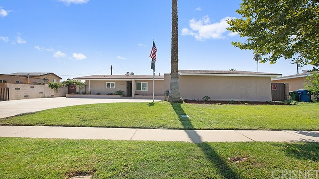 20338 Itasca Street, Chatsworth CA: http://media.crmls.org/mediascn/109ab6d1-fb59-4dda-8e6f-745850791146.jpg