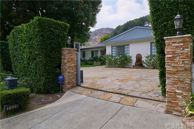 2029 Coldwater Canyon Drive, Beverly Hills, CA, 90210