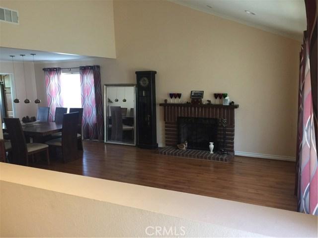 6305 Timberlane Street, Agoura Hills CA: http://media.crmls.org/mediascn/10f754b7-dd9d-4623-9574-44e2be579a07.jpg