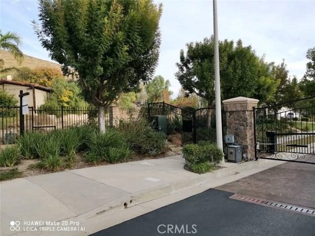18041 Mayerling Street, Granada Hills CA: http://media.crmls.org/mediascn/1118c33e-de4f-4fdc-9cbd-a94f909b25c0.jpg