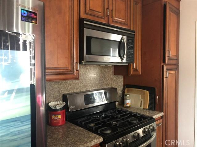 11750 214th Street, Lakewood CA: http://media.crmls.org/mediascn/113d431e-8f7c-4152-8666-50776d68eedd.jpg