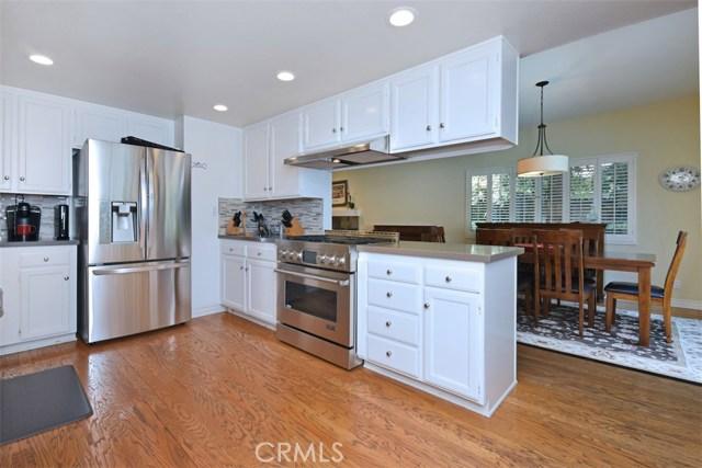 23307 Weller Place, Woodland Hills CA: http://media.crmls.org/mediascn/11743895-cda1-4963-a641-798dfdc23c28.jpg