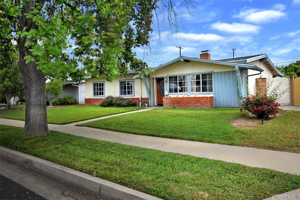 Photo of 22844 CANTLAY STREET, West Hills, CA 91307