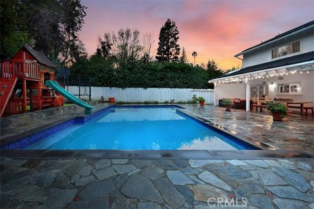 4838 Quedo Place, Woodland Hills CA: http://media.crmls.org/mediascn/11aa5e8c-ca5b-47f2-a1b0-8e7c2d21af21.jpg