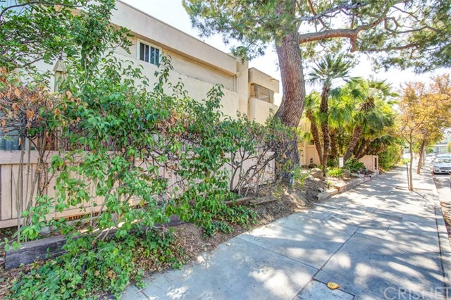 5144 Zelzah Avenue Unit 1 Encino, CA 91316 - MLS #: SR17232452