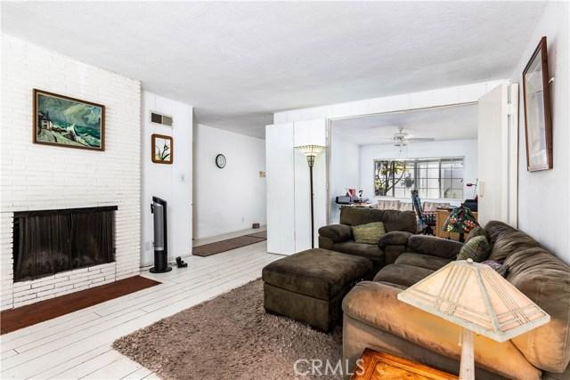 4245 Sepulveda Boulevard, Sherman Oaks CA: http://media.crmls.org/mediascn/11d78b6c-0b82-4037-bf2c-6ecb497ef4b7.jpg