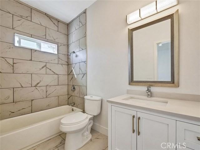 6920 6918 Corbin Avenue, Reseda CA: http://media.crmls.org/mediascn/11e62368-41d6-4df6-b4bd-0a873d47ba83.jpg