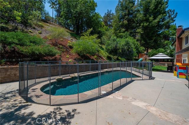 20324 Reaza Place, Woodland Hills CA: http://media.crmls.org/mediascn/11f01991-2bdd-49f6-ada7-1886520c6491.jpg