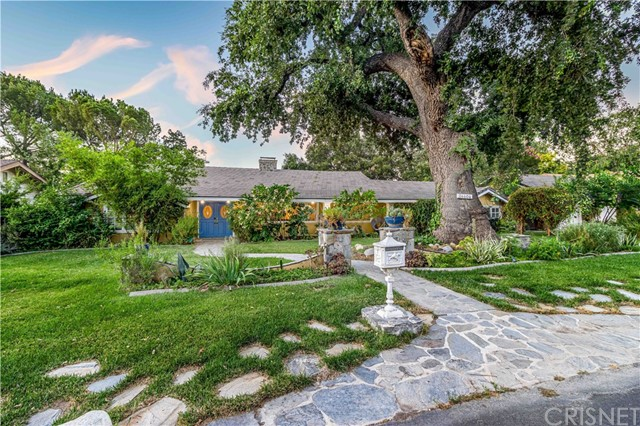 Photo of 24404 Arcadia Street, Newhall, CA 91321