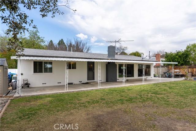 18638 Ludlow Street, Northridge CA: http://media.crmls.org/mediascn/126fc822-be99-4b5a-8410-4be0bed40110.jpg